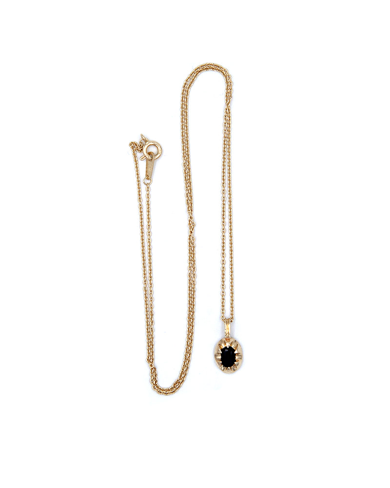 CLAW ONYX GOLD NECKLACE